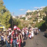 مسيرة إيمانية راجلة من جبيل باتجاه ضريح القديس شربل في عنايا