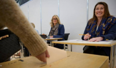 الأغلبية المطلقة للنساء تراجعت إلى أقل من 50% في انتخابات آيسلندا بعد إعادة الفرز