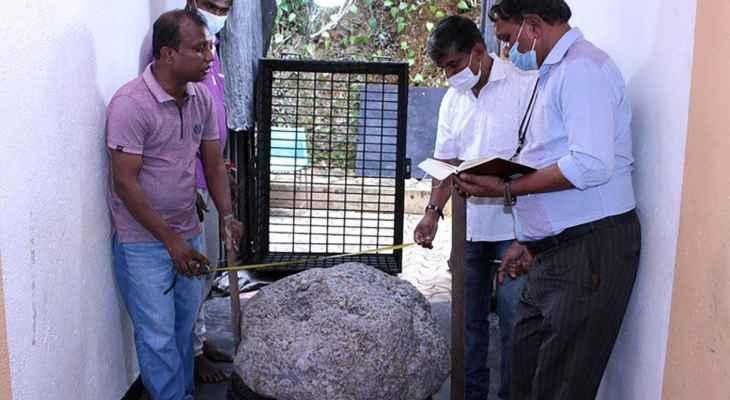 الصدفة تقود سريلانكي للعثور على أكبر حجر ياقوت أزرق في العالم قيمته 100 مليون دولار