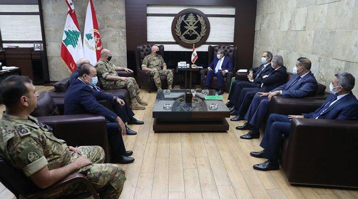 ناصيف السقلاوي قدم خلال لقائه العماد جوزيف عون هبة مالية للجيش اللبناني