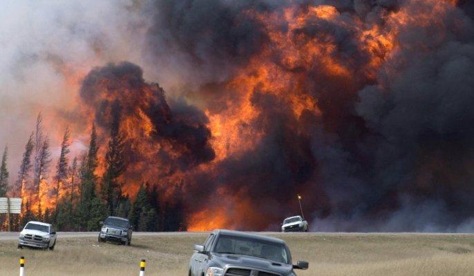 السلطات الكندية تأمر بفرض قيود على حركة القطارات لتقليص خطر إشتعال حرائق الغابات