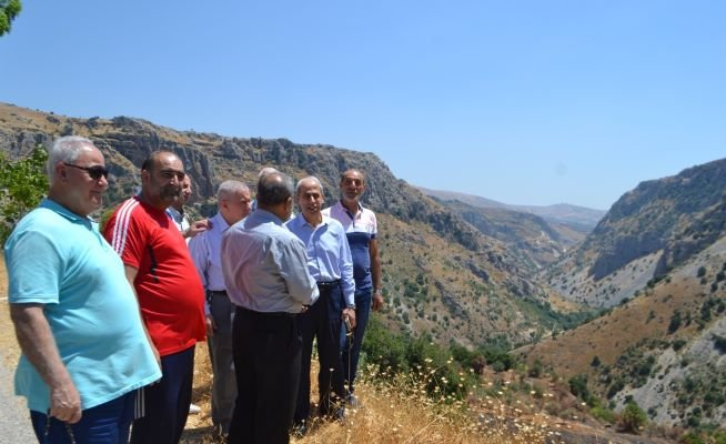 اللواء خير والنائب نصرالله تفقدا الأضرار الزراعية بالبقاع الغربي