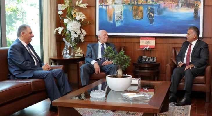 إبراهيم عرض مع عزام الأحمد الأوضاع في فلسطين ومخيمات لبنان