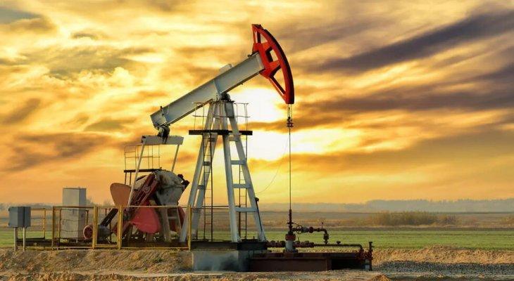 """أسعار النفط تهوي أكثر من 7% في أعقاب اتفاق """"أوبك+"""" وتزايد إصابات كورونا"""