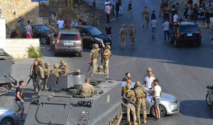 مصادر أمنية للمنار: الجيش ومخابراته بدأوا مداهمة واسعة لمنازل مطلقي النار في أحياء عرب خلدة