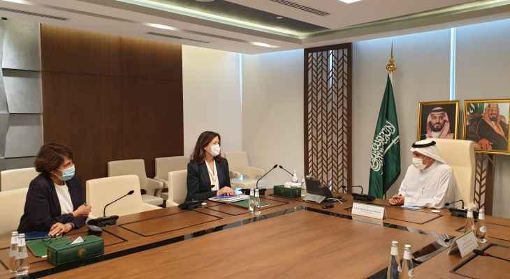 أوساط الراي: تحرك سفيرتي أميركا وفرنسا ينزع الإعتراف ضمنا بشرعية السلطة في لبنان