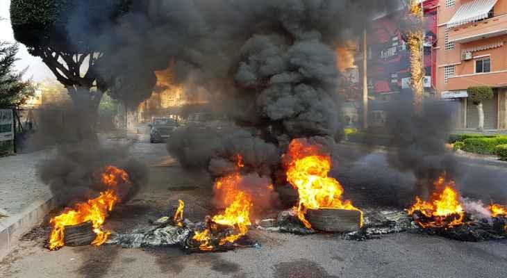 النشرة: الجيش اوقف شخصا على خلفية إشكال وقع مع المتظاهرين اثناء قطع الطريق البحري في صيدا