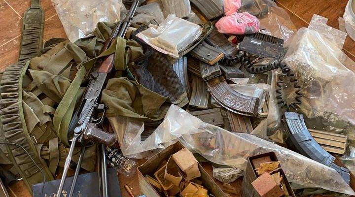الجيش: مقتل مطلوب خلال عمليات دهم معامل تصنيع المخدرات في حورتعلا – البقاع