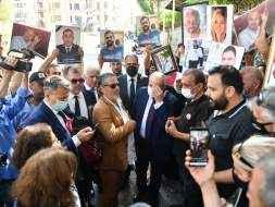 وقفة احتجاجية لأهالي ضحايا انفجار بيروت أمام النيابة العامة التمييزية