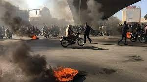 مقتل شرطي إيراني وإصابة آخر في محافظة خوزستان جنوب غربي البلاد