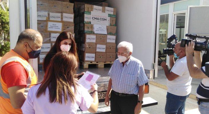 تسليم هبة من حليب للأطفال إلى مستشفى الكرنتينا الحكومي