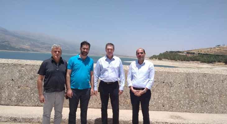 حسن مراد جال والسفير الروماني في بحيرة القرعون: لإنقاذ منطقة البقاع الغربي المهددة بصحة أبنائها