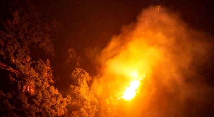 اندلاع حريق هائل في عدلون حي المغادرة والنيران تقترب من المنازل