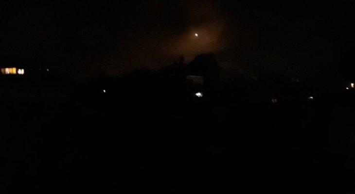 الجيش الاسرائيلي يلقي قنابل مضيئة قرب الحدود مقابل ميس الجبل وحولا