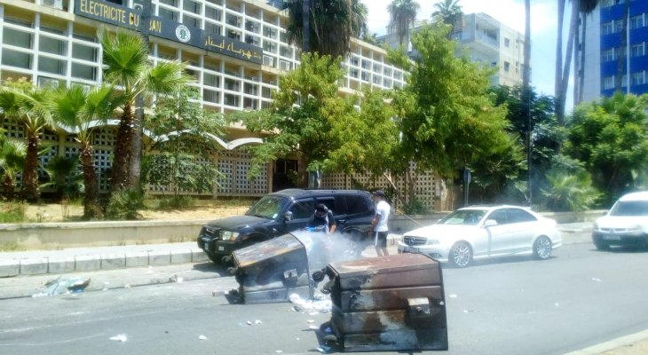 """""""النشرة"""": قطع الطريق في شارع حسام الدين الحريري في صيدا"""