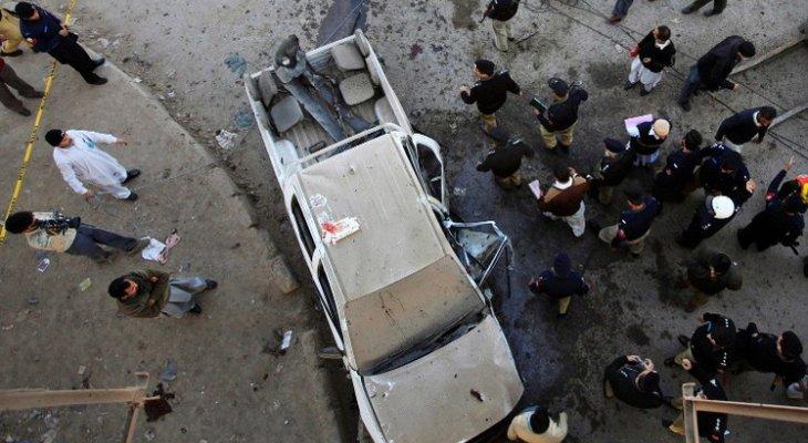 مقتل شرطي بانفجار في سوق شمال غربي باكستان