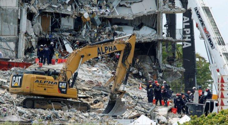 حاكم فلوريدا: رجال الإنقاذ يكثفون جهود البحث بين أنقاض مبنى ميامي وما زال هناك 150 مفقودا