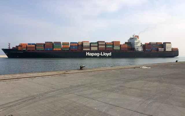 مرفأ طرابلس استقبل أكبر سفينة حاويات منذ إنشائه
