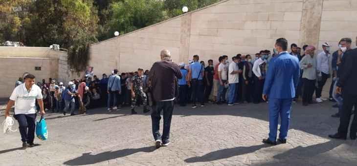 الإنتخابات السورية في لبنان: إشكالات على الطرقات وإستفتاء في السفارة!